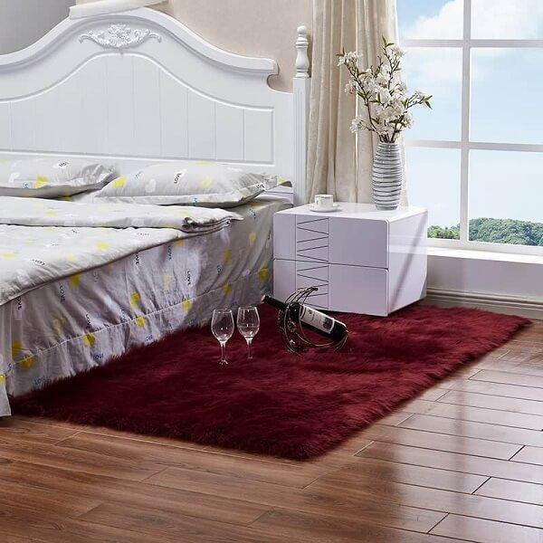 Những gam màu nóng cũng khiến căn phòng trở nên lãng mạn và cá tính hơn
