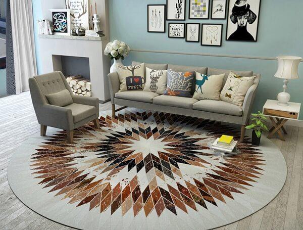 Những tấm thảm trải sàn chất lượng tốt sẽ có sự phân chia màu sắc độc đáo và không hề bị loang màu
