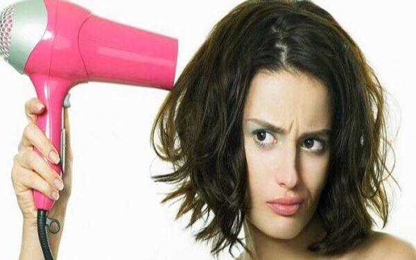 Máy sấy tóc không chạy gây ức chế với người sử dụng