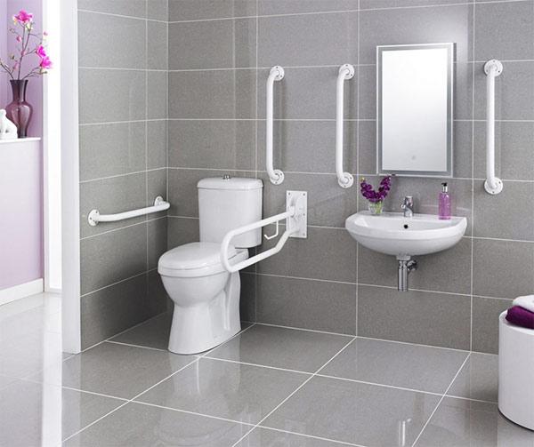 Chất liệu men sứ được ưu tiên sử dụng trong phòng tắm