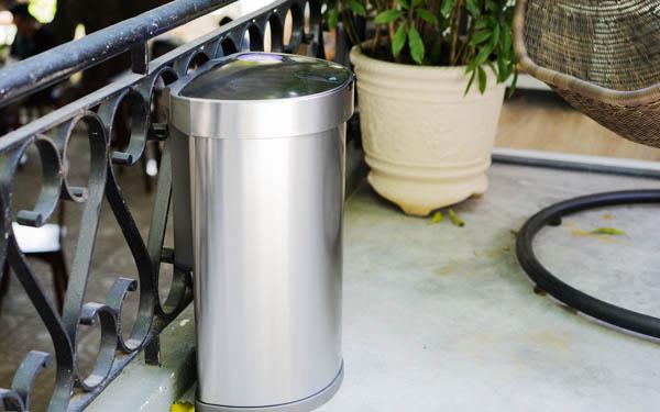 Các lợi ích tuyệt vời của dòng thùng rác có nắp đậy