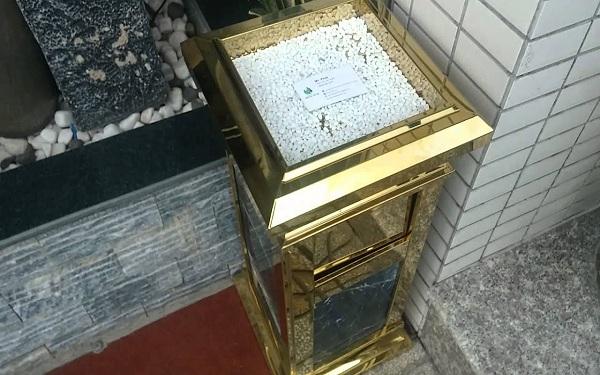 Với những thiết kế tỉ mỉ và khéo léo,thùng rác đá hoa cương rất được các khách sạn tin dùng