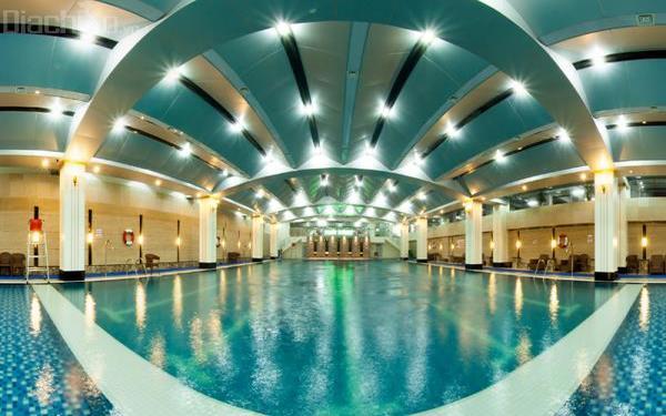Hồ bơi cao cấp là không gian lý tưởng cho du khách