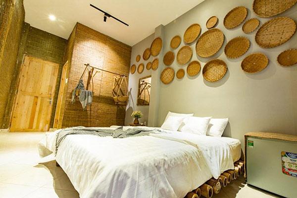 trang trí phòng ngủ homestay đảm bảo ai cũng thấy không gian này thật gần gũi, bình yên.