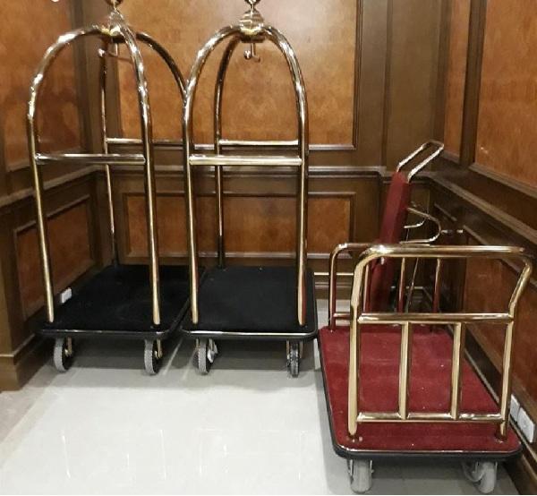 Hãy đặc biệt chú ý đến những chi tiết nhỏ của xe đẩy hành lý và tiến hành bảo dưỡng khi cần thiết