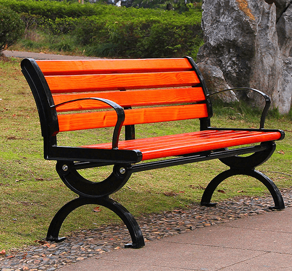 Ghế công viên bằng gỗ màu đỏ cam