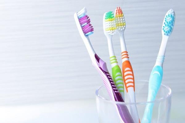 bàn chải đánh răng chất lượng