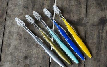 Phân biệt bàn chải đánh răng chất lượng và kém chất lượng