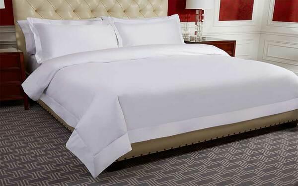 Ga phủ trắng trơn là sản phẩm quen thuộc trong các khách sạn