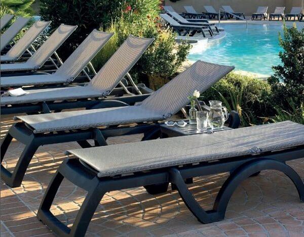 Đội ngũ chuyên viên tư vấn của Poliva sẽ giúp bạn lựa chọn được mẫu ghế bể bơi phù hợp với nhu cầu nhất