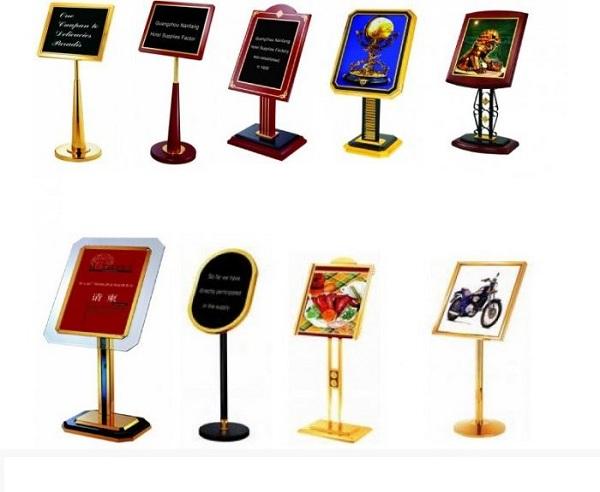 Những tấm bảng menu này góp phần giảm tối đa chi phí cho các khách sạn cũng như nhà hàng