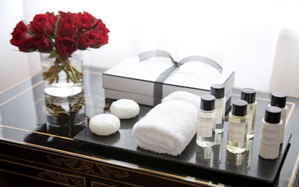 chất liệu khay amenities khách sạn