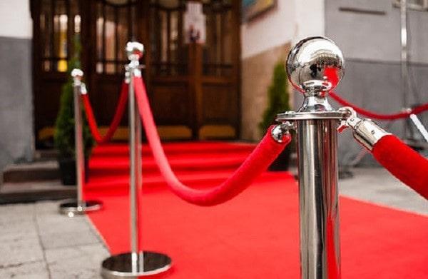 3 loại cột chắn inox khách sạn phổ biến được đánh giá cao hiện nay