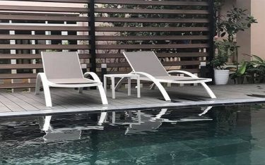 Ghế bể bơi inox có tốt không? Khách sạn có nên dùng ghế bể bơi inox?