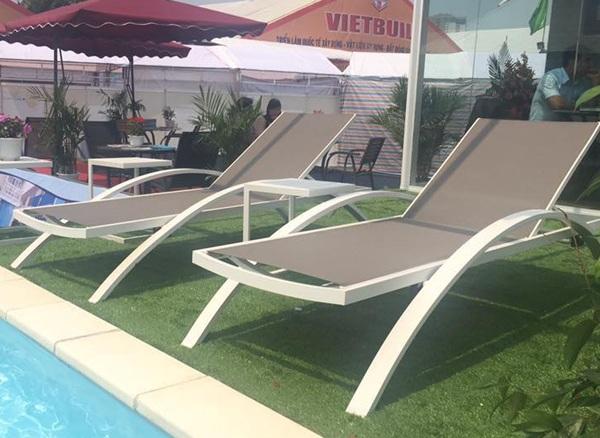 Sự đa dạng về mẫu mã cùng kiểu dáng thiết kế cũng là một ưu thế vượt trội của loại ghế bể bơi này