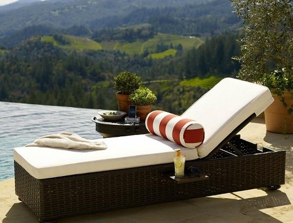 Loại giường bể bơi này đem đến cho khách hàng sự êm ái và thư giãn nhất