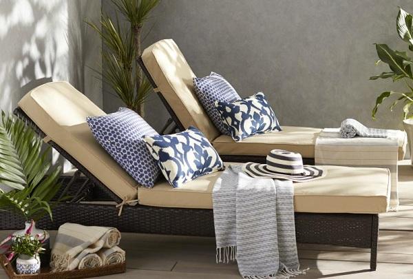 Loại ghế bể bơi có chất liệu mây nhựa này rất phổ biến và được sử dụng rộng rãi tại các khách sạn hay resort