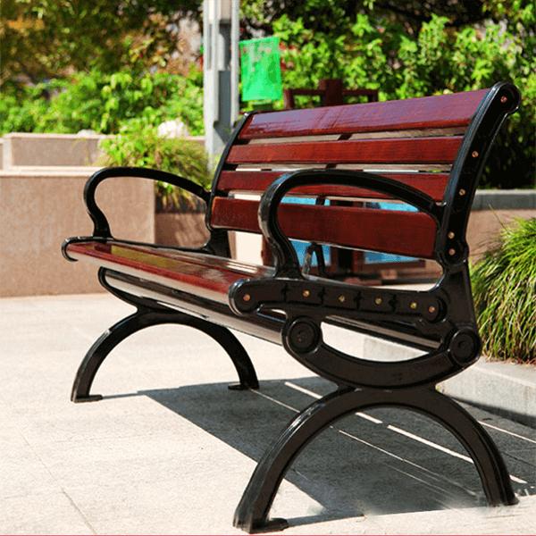 Ghế công viên màu nâu đỏ gụ