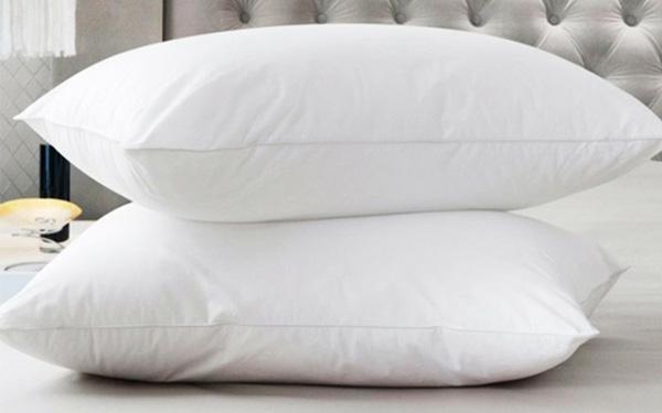 Vải bao gối cần mềm mại và mang đến cảm giác êm ái khi tiếp xúc