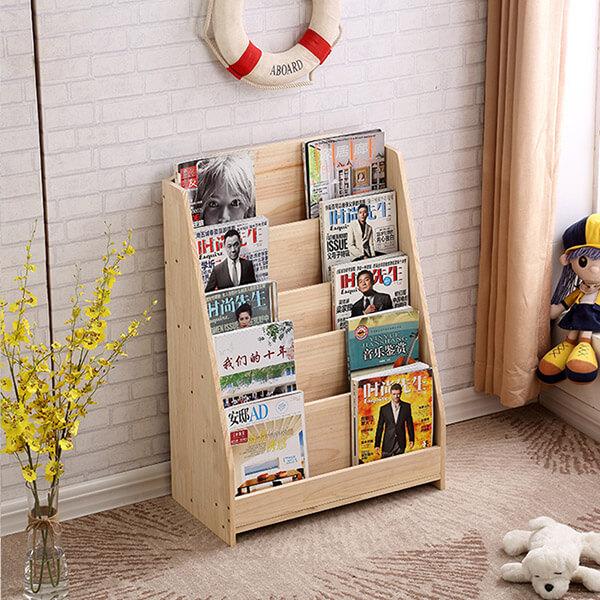 Kệ gỗ được thiết kế chắc chắn với màu sắc tự nhiên cùng nhiều ngăn rộng, thoáng