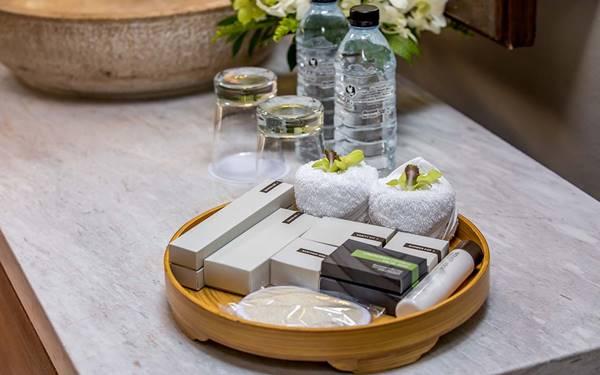 khay đựng amenities khách sạn bằng gỗ