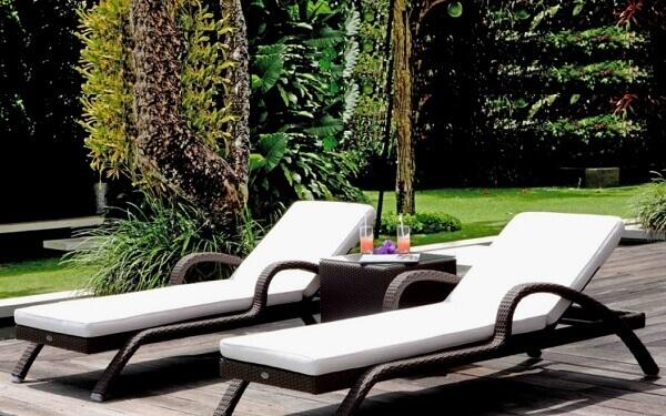 Tiêu chuẩn kích thước ghế bể bơi, giường tắm nắng hồ hơi