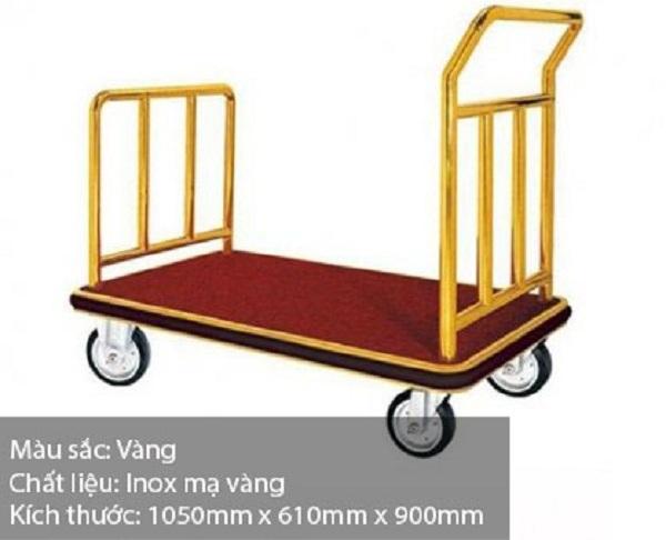 Mẫu xe đẩy hành lý được phủ thảm đỏ này có thiết kế khá mới lạ và tiện lợi cho người sử dụng