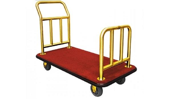 Với chiều cao vừa phải, hầu hết các nhân viên khách sạn đều cảm thấy dễ dàng khi sử dụng loại xe đẩy hành lý này