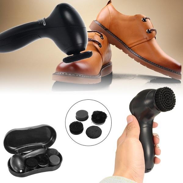 Đối với mục đích cá nhân, mọi người thường sẽ ưu tiên lựa chọn mẫu máy đánh giày cầm tay mini bởi sự tiện dụng mà nó đem lại