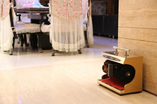 Mẫu máy đánh giày cảm ứng tự động này cũng là một sự lựa chọn không hề tồi cho các văn phòng công ty