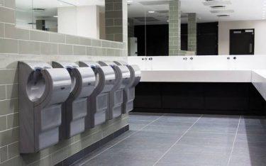 Có nên sử dụng máy sấy tay khô được lắp đặt tại các nơi công cộng?