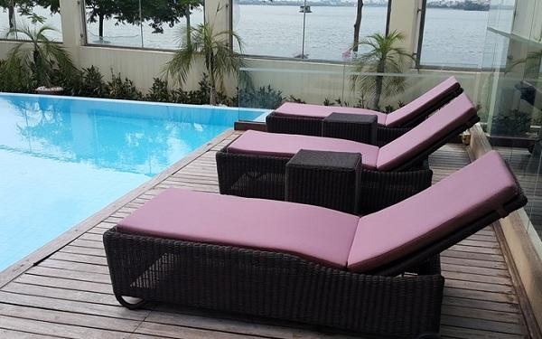Mua giường bể bơi cho khách sạn cần quan tâm đến những tiêu chí gì?