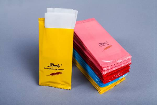 chọn mua khăn ướt tốt cho nhà hàng