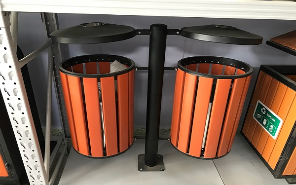 15+ mẫu thùng rác gỗ đẹp, tiện dụng dùng trong công viên, resort
