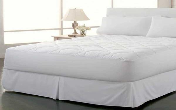 Khách hàng thường thích kiểu váy giường khách sạn may xếp ly xung quanh