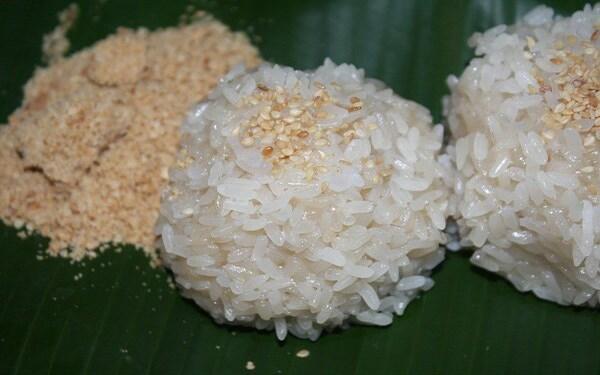 Xôi nếp gà gáy dẻo thơm – Đặc sản huyền thoại xứ Mường Phú Thọ