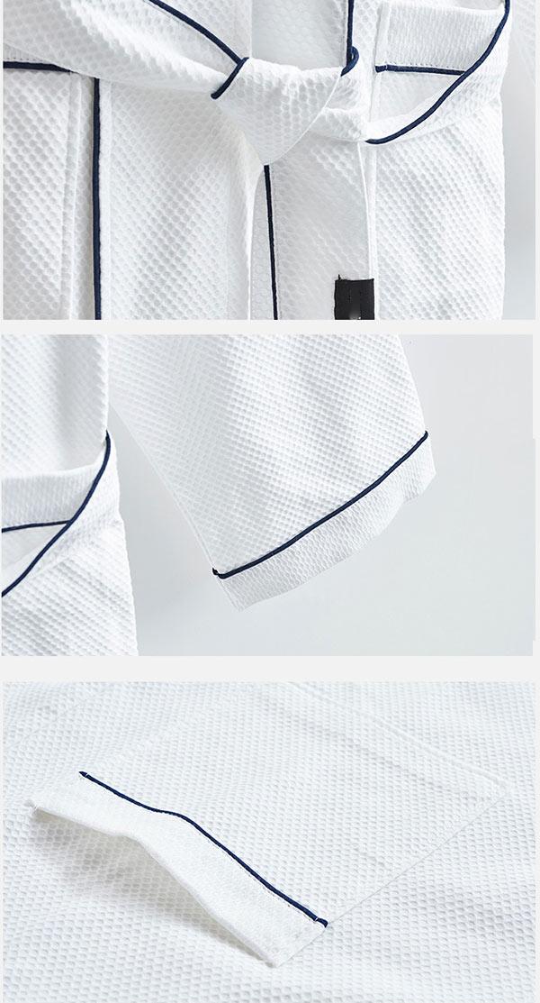 Mỗi một chi tiết trên áo đều được trau chuốt cẩn thận