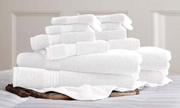 Khăn tắm, khăn mặt dùng trong khách sạn chủ yếu là màu trắng