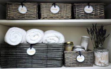 3 cách bày trí giỏ đựng đồ dùng trong phòng tắm ghi điểm với khách hàng