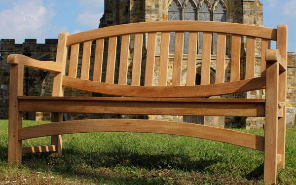 Tuổi thọ của ghế gỗ tự nhiên có thể lên đến vài chục năm