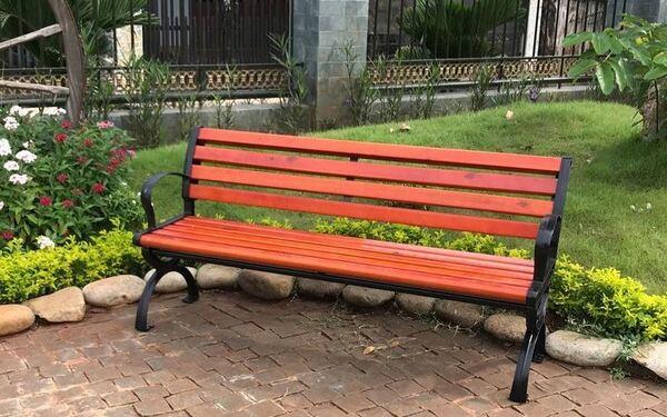 3 công dụng của ghế công viên ngoài trời không thể bỏ qua