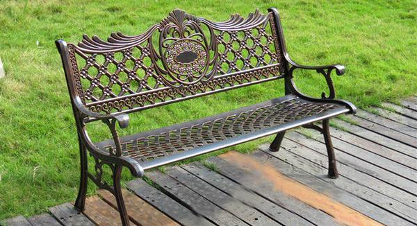 Công dụng của ghế công viên dùng để trang trí cho không gian thêm ấn tượng