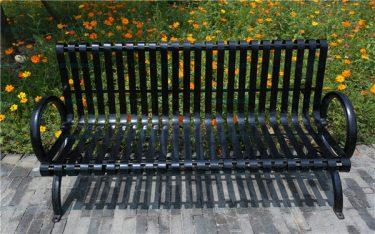 Ghế công viên gang đúc và những ưu nhược điểm bạn nên biết
