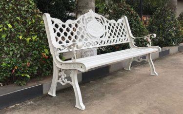 Top 10 loại ghế công viên ngoài trời được ưa chuộng nhất hiện nay