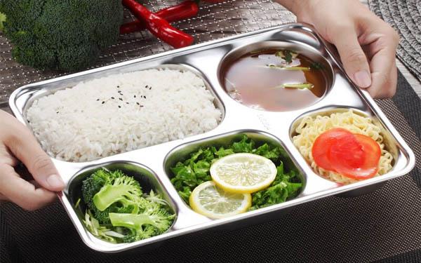 Bí quyết chọn khay inox đựng thức ăn an toàn, đảm bảo sức khỏe