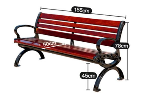 Kích thước ghế ngoài trời dài 155cm với kiểu dáng tựa
