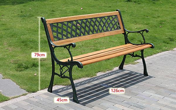 Mẫu thiết kế với chiều dài 126cm phối giữa gỗ và gang đúc vô cùng độc đáo