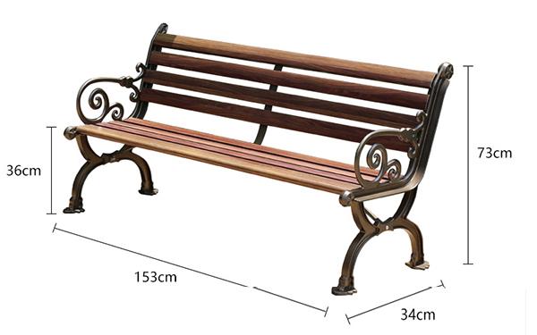 Chiếc ghế này dài 153cm và mang hơi thở cổ điển trong thiết kế