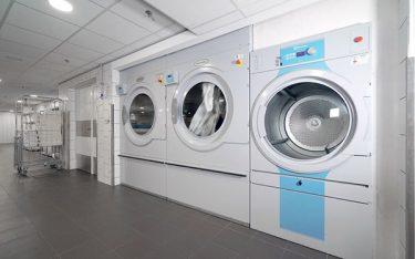 Máy giặt công nghiệp là gì? Tìm hiểu chi tiết máy giặt công nghiệp