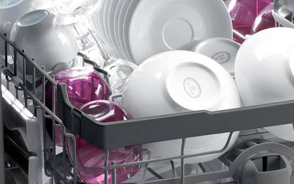 Sử dụng máy rửa chén có sạch không